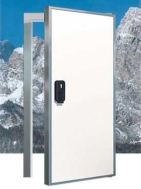 Дверь холодильной камеры.