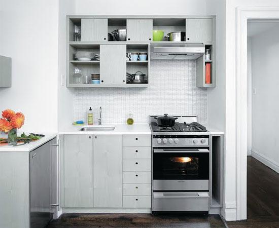 Холодильник на кухне пять метров