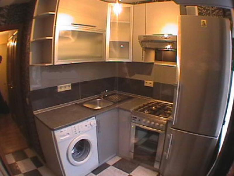 Холодильник на кухне в хрущевке
