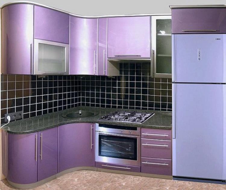 Холодильник на кухне 12 квадратов
