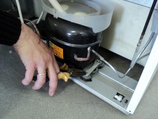 Сколько стоит ремонт холодильника атлант на дому