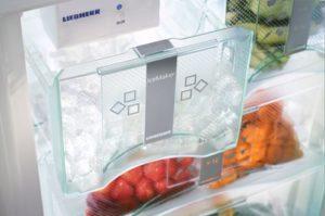 Холодильник с ледогенератором